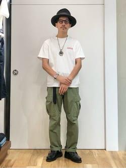 LINKS UMEDA店のサカモトヒロシさんのEDWINの【EDWIN 60周年限定】 クルーネック 半袖Tシャツ Cを使ったコーディネート