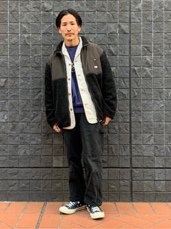 大阪店のサカモトヒロシさんのLeeの【Winter sale】【ユニセックス】フリースジップアップジャケットを使ったコーディネート