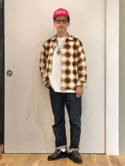 LINKS UMEDA店のサカモトヒロシさんのEDWINの【コンセプトショップ限定】REGULER STRAIGHT ボタンフライ 【レングス82cm】を使ったコーディネート