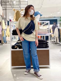 西宮ガーデンズ店のMisakiさんのLeeの【Lee×GRAMICCI(グラミチ)】ボディバッグを使ったコーディネート
