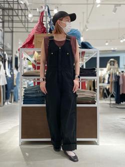 西宮ガーデンズ店のMisakiさんのLeeの【SALE】ノースリーブ Tシャツを使ったコーディネート