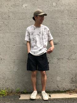 Lee アミュプラザ博多店のTaigaさんのLeeの【Lee×GRAMICCI(グラミチ)】バックプリント 半袖Tシャツを使ったコーディネート