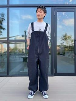 アミュプラザ熊本店のhironoriさんのLeeの【ユニセックス】バックプリント 長袖Tシャツを使ったコーディネート