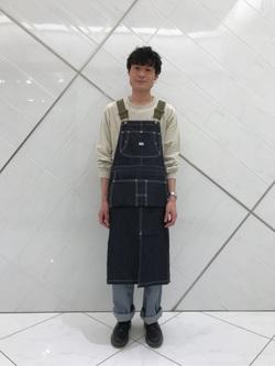 熊本COCOSA店のhironoriさんのLeeの【男女兼用】ルーズシルエット ロングTシャツ/刺繍ロゴ/胸ポケットを使ったコーディネート