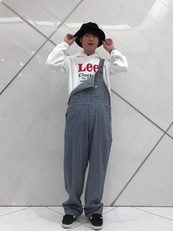 熊本COCOSA店のhironoriさんのLeeの【年間ベストセラー】オーバーオールを使ったコーディネート