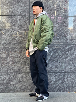 LINKS UMEDA店の数斗さんののMA-1 ナイロンジャケット U.S.サイズを使ったコーディネート