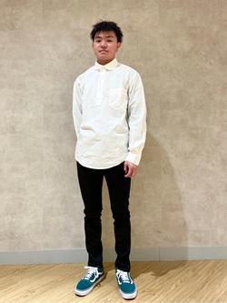 錦糸町PARCO店(閉店)のつなさんのEDWINの【SALE】ラウンドカラー プルオーバー シャツ 長袖を使ったコーディネート