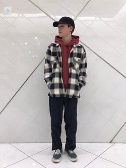 熊本COCOSA店のSHOGOさんのLeeの【トップス15%OFFクーポン対象】【さらっと羽織れる】シャツジャケットを使ったコーディネート