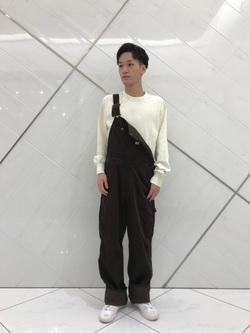 熊本COCOSA店のSHOGOさんのLeeの【年間ベストセラー】オーバーオール(コーデュロイ)を使ったコーディネート