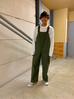 ららぽーと横浜のDaisukeさんのLeeの【男女兼用】バックプリント長袖Tシャツを使ったコーディネート