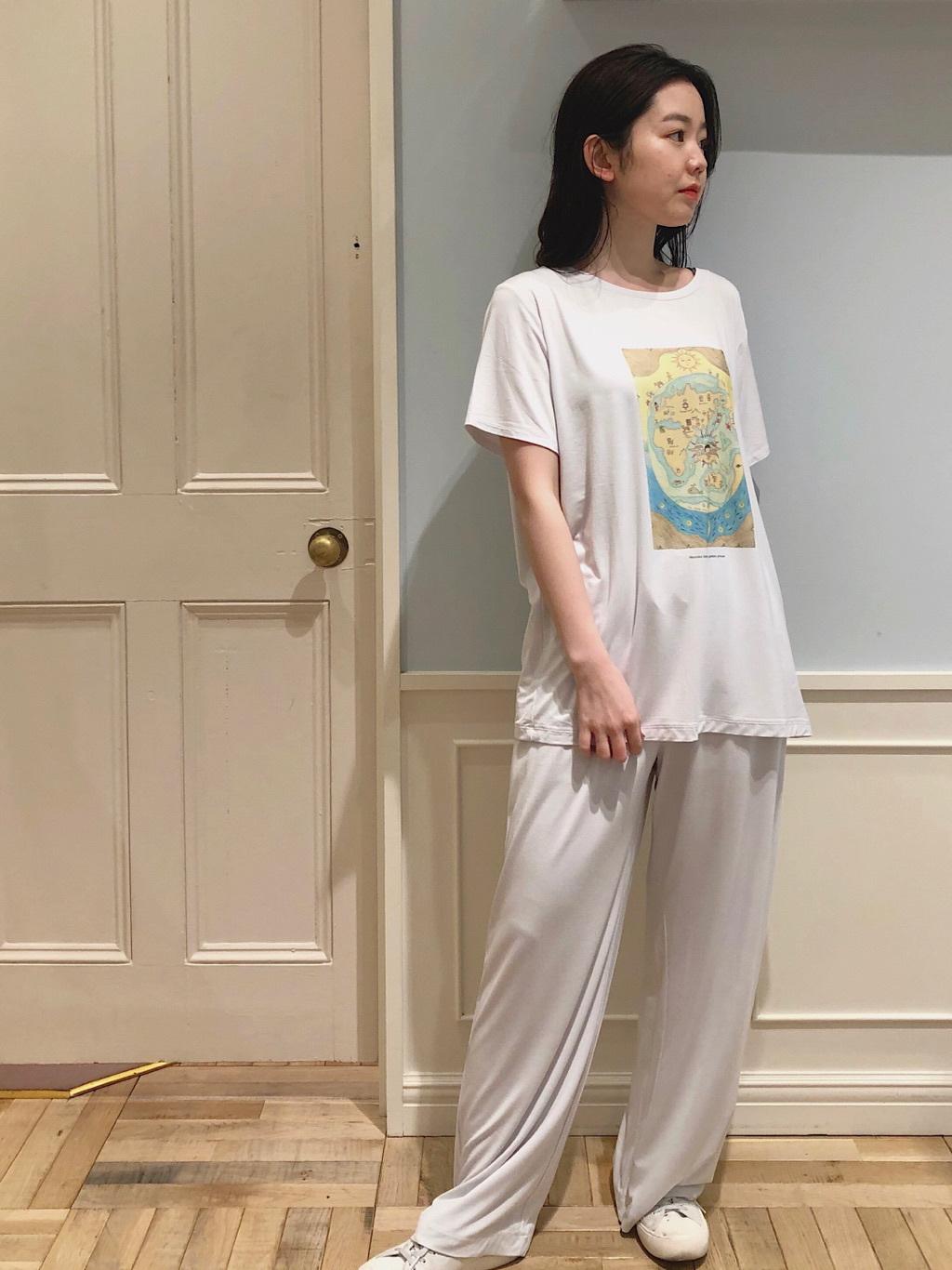 梅田エスト